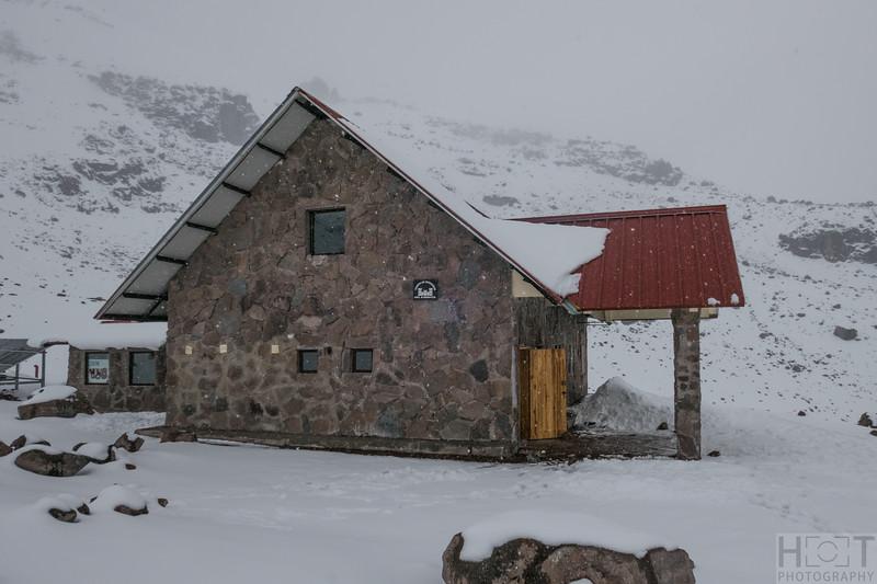 Eduard Whymper Hütte auf 5042 m