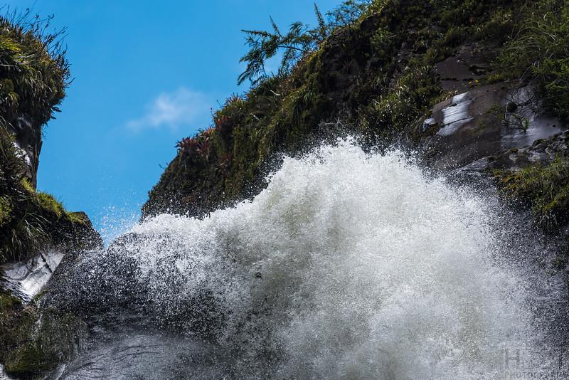 80m hoher Wasserfall