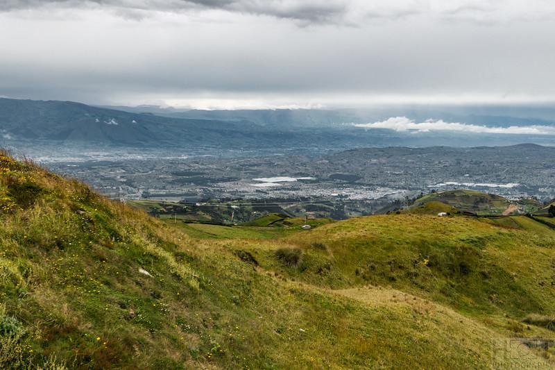 Blick in die Ebene von Latacunga (3000 m)