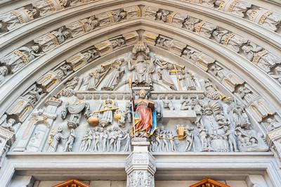 Kathedrale Tympanon (NEY)