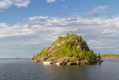 Die Heilige Insel auf dem Inari See