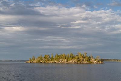 Schiff-Reise auf dem Inari See