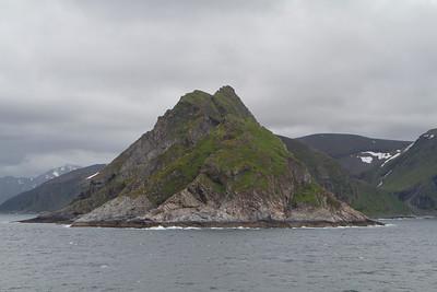 Raue, aber wunderschöne Landschaften in den Fjorden Norvegen's