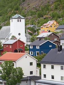 Øksfjord: unser 1. Halt mit dem Hurtigruten