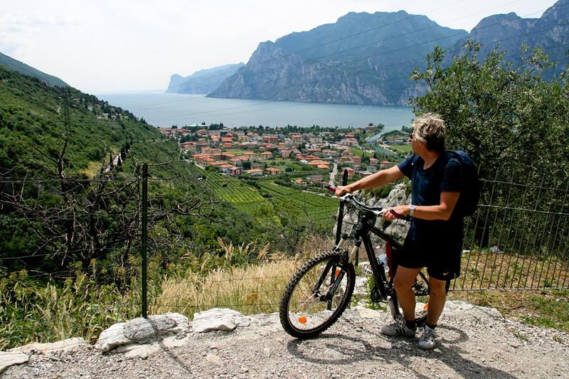 Utsikt mot Lago Di Garda. Dette er helt nord på Gardasjøen.