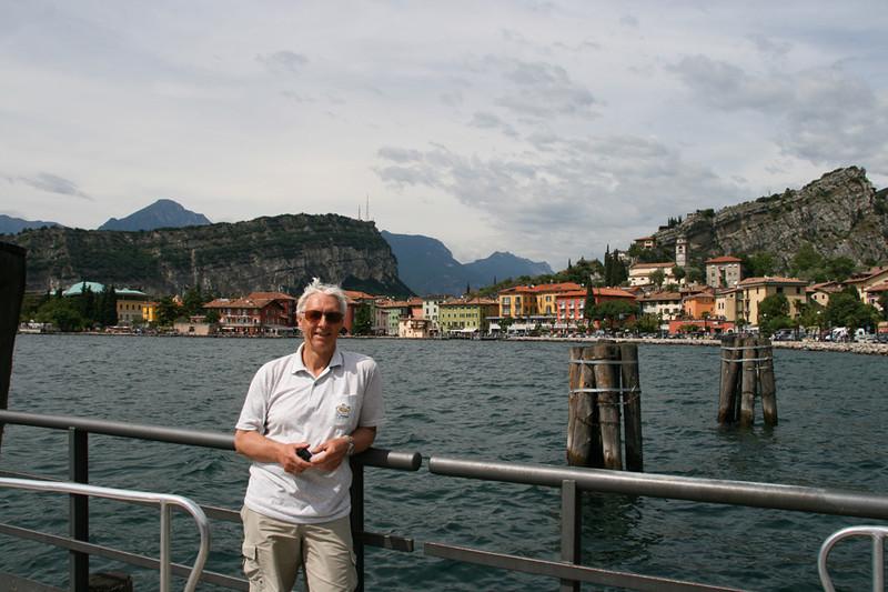 Ferjeleie ved Lago Di Garda. Tok ferje tilbake til Malcesine.