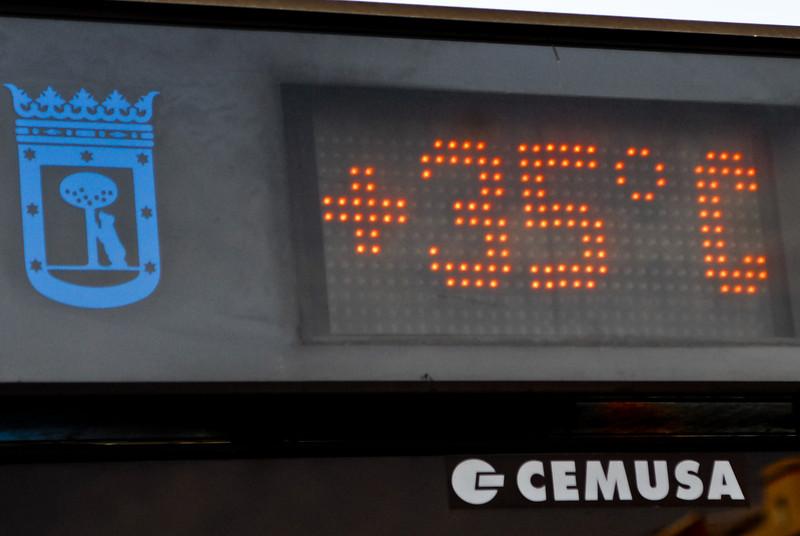 Inderdaad 35°C.<br /> <br /> Atocha Renfe - Madrid - Spanje