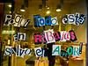 Economische crisis of niet, in Spanje zijn het vier maanden per jaar solden. <br /> <br /> C/. Preciados - Puerta del Sol - Madrid - Spanje