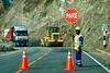 Wegenwerken langs de A26. <br /> Sinds de A26 deel gaan uitmaken is van de 'transoceánica' wordt de weg erg goed onderhouden terwijl dit tien jaar geleden een vrijwel onberijdbare weg was vol putten en niet eens geasfalteerd was.<br /> Peru is één van de snelst groeiende landen in de regio en het wegennet is één van de zaken die prioriteiten kregen.  <br />  <br /> Ruta 26A - Tussen Abancay & Cusco - Apúrimac<br /> Maandag 13 augustus '12