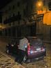 Schudden voor gebruik.<br /> De mannen zijn uitgeslapen. Het is bijna 02:00 uur, de taxichauffeur heeft blijkbaar ook een glaasje op of slaapt héél lekker in zijn voertuig waardoor César de taxi een paar keer heen en weer schudde.<br /> Het is welletjes geweest, het is 02:00 uur 's nachts en ben al op de benen van 04:00 uur. <br /> <br /> La Carreta - C/. Heladeros - Cusco - Peru<br /> Maandag 13 augustus '12