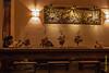 Het restaurant ligt op de tweede verdieping van een oud gebouw, wellicht een koloniaal gebouw. <br /> Het restaurant wordt zowel bezocht door Westerse als Japanse toeristen maar ook door de plaatselijke bevolking waarvan er een deel kapitaalkrachtiger geworden is met de boom van het toerisme. <br /> Het kader is heel aangenaam, het is er nooit druk en de achtergrondmuziek is steeds aangenaam en origineel.