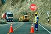 Wegenwerken langs de A26. <br /> Sinds de A26 deel gaan uitmaken is van de 'transoceánica' wordt de weg erg goed onderhouden terwijl dit tien jaar geleden een vrijwel onberijdbare weg was vol putten en niet eens geasfalteerd. <br /> <br /> Ruta 26A - Tussen Abancay & Cusco - Apúrimac<br /> Maandag 13 augustus '12