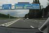 Na een uur rijden op vrijwel deserte wegen komen aan op de Brusselse ring die er niet altijd even verlaten bij ligt.