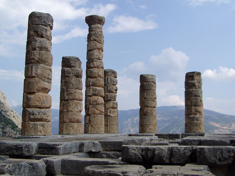 MvD-20020819-71-P8190037-Delphi-Heiligdom van Apollo
