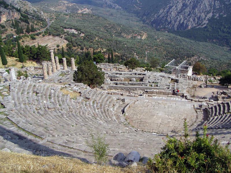MvD-20020819-80-P8190051-Delphi-Amfitheater