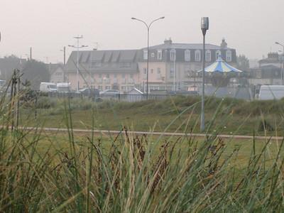 """ons hotel """"Hotel de Paris"""" gezien vanuit Juno Parc"""