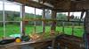 Terry har bygget sit eget hus og the cottages med egne hænder...