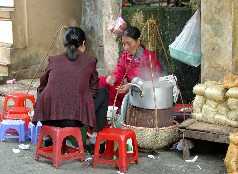 der laves mad... og spises på gaden
