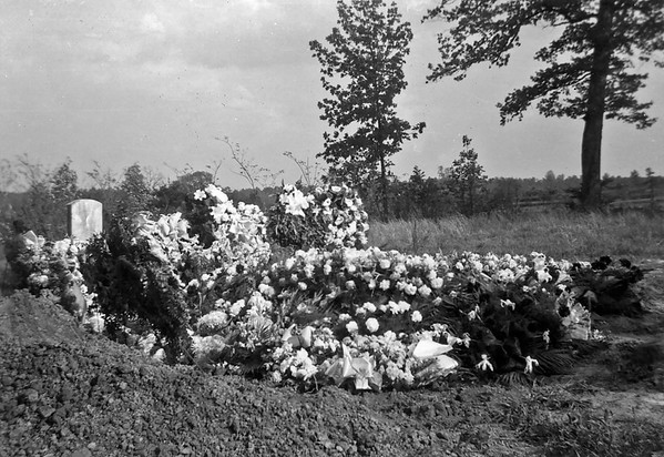 Funeral, guessing 1954 for Bettie or Walter