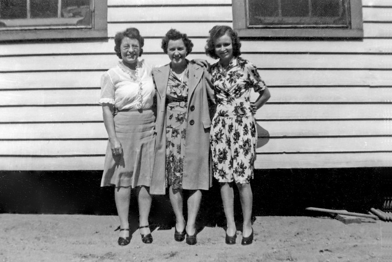 Florence, Lois, maybe Lizzie circa 1945