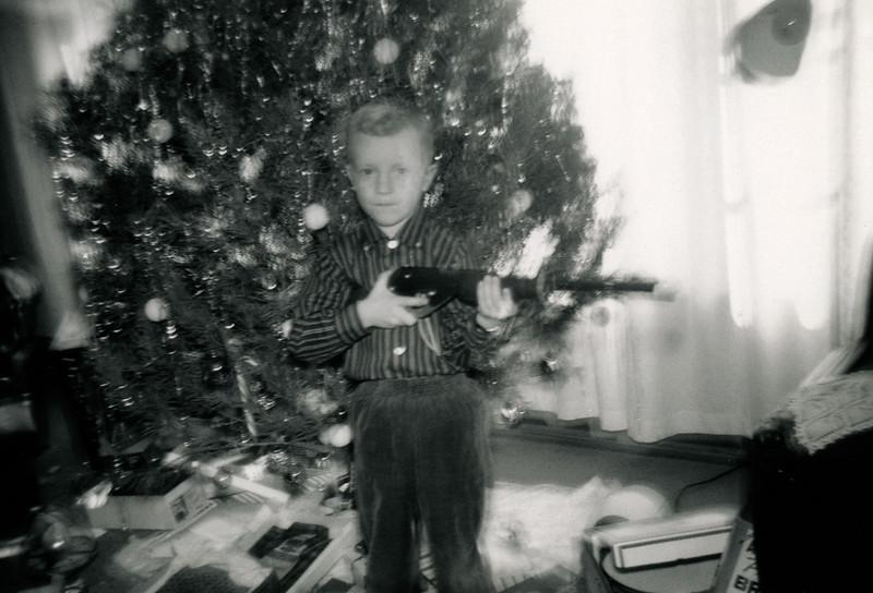 Linwood with Gun Christmas 1960