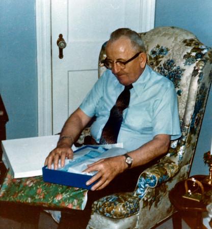 Frank at Lois'