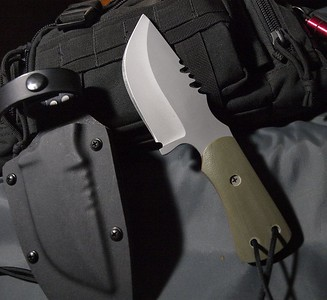 Relentless_Knives_M4_Bounty_Hunter