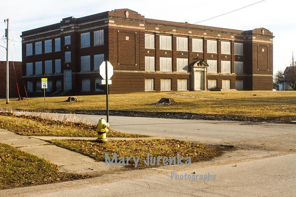 Closed Middle School in Eldora, Iowa
