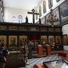 Интерьер церкви св. Александра Невского с деревянным резным иконостасом