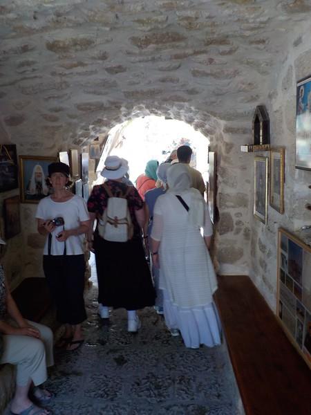 Вход в крипту храма