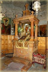 Иерусалимская Гефсиманская икона Божьей Матери (отсутствовала на момент посещения храма)