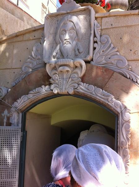 Вход в гробницу