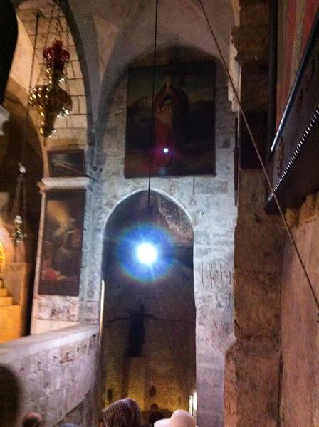 Статуя св. Елены в приделе обретения Креста