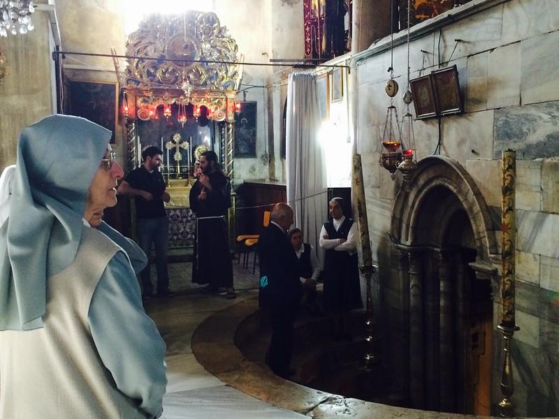Католический вход в пещеру Рождества