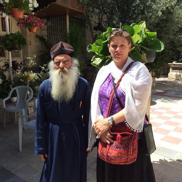 С настоятелем храма архимандритом Иустином