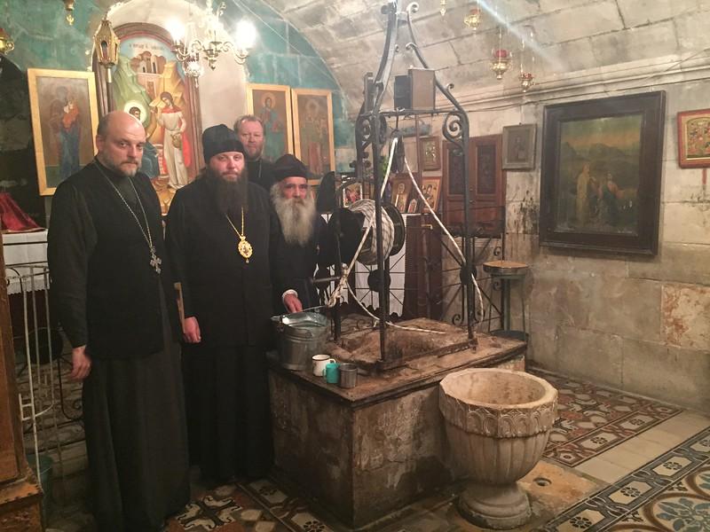 У колодца Иакова с настоятелем архимандритом Иустином
