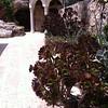Вход в церковь святителя Николая
