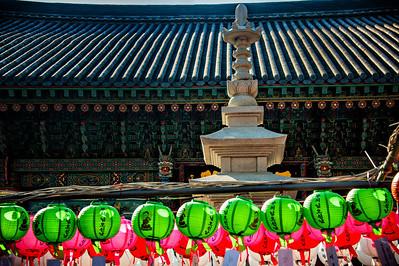 20130517_Bongwonsa_Lanterns_Pagoda_Roof-8559