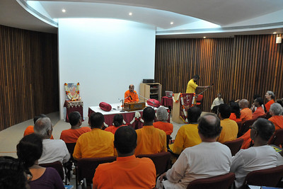 Guruji - Swami Tejomayanandaji addressing the acharyas. Acharyas (abroad) Conference, May 19-23 at Chinmaya Vibhooti, Post Kolwan, Taluka Mulashi, Pune - 412 108, Maharashtra. India.