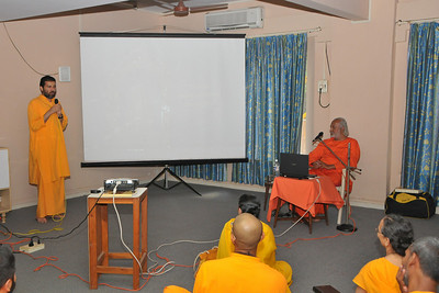 12th Batch Alumni meeting at Sandeepany with Aacharya Swami Ishwaranandaji. Chinmaya Mission, Powai, Mumbai, MH, India.