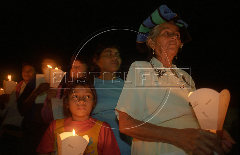 Catholic faith and preparation for the Pope's visit in El Salvador, Central America, 1996. (Australfoto/Douglas Engle)