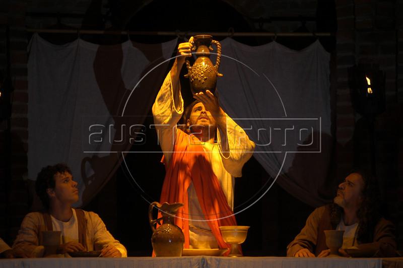 Brazilian actor Thiago Lacerda celebrates the last supper as Jesus in the passion play of Nova Jerusalem, in Brazil's Northeastern state of Pernambuco.(Australfoto/Douglas Engle)
