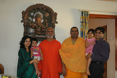 Swami Ishwaranandaji visiting families after the Geeta Gyan Yagna held at Raheja Vihar Complex, Powai. Swamiji is currently located in Chinmaya Missions's California Centre.