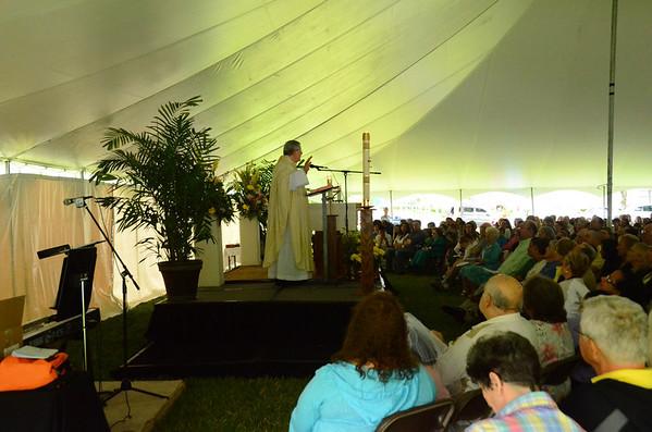Easter Sunday in Corpus Christi Tent Annex 2014