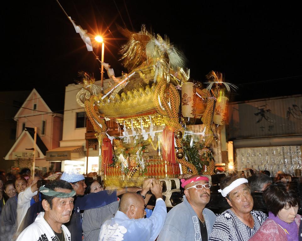 The Mikoshi (portable shrine) of the Suwa Shrine, Katase District, Fujisawa
