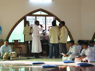The singers are the new Novices, accompanied by Fr. Mathai.