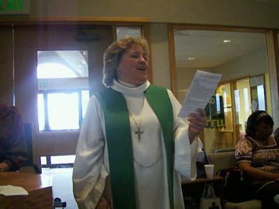 Pastor Kristi Bebee begins the baptism service