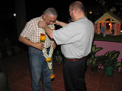 Fr. Charlie places a garland on Fr. General, welcoming him to the Dehon Christu Nivas community in Eluru.