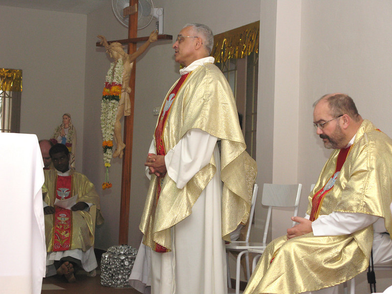 Fr. Ornelas presides at the Celebration of the Eucharist, opening the District Assembly.  Fr. Mathai (left) and Fr. Charlie (right)