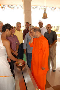 07040035 - Guruji (Swami Tejomayanandaji) at the Hanuman Temple, Chinmaya Vibhoothi, Kolwan, Maharashtra, India.